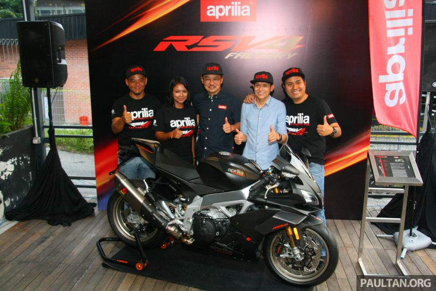 Can canh Aprilia RSV4 1100 Factory 2019 voi gia gan 1 ty VND