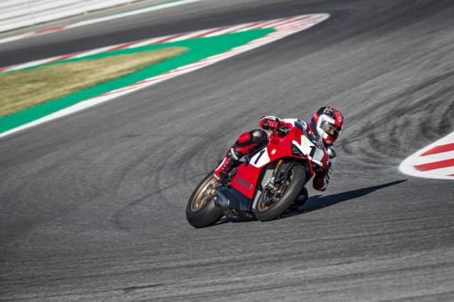 Ducati Panigale V4 25th Anniversary 916 len san voi gia hon 1 ty dong - 8