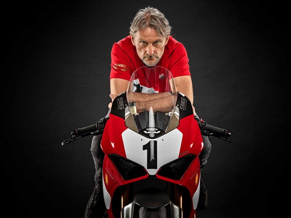 Ducati Panigale V4 ban dac biet ky niem 25 nam Ducati 916 WSBK chuan bi ra mat