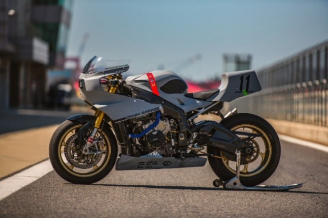 BMW S1000RR do gay can voi kieu dang dam chat Retro Cafe Racer - 10