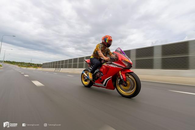 Honda CBR1000RR do sieu khung theo phong cach duong dua
