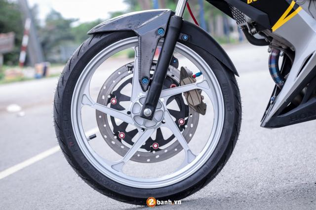 Sonic 150 do tuyet dinh voi option do choi hang nang cua biker Sai Gon - 5