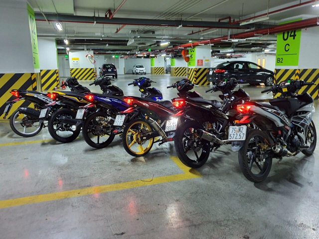Binh doan Y15ZR do khoe dang duoi tang ham cua biker Viet - 5