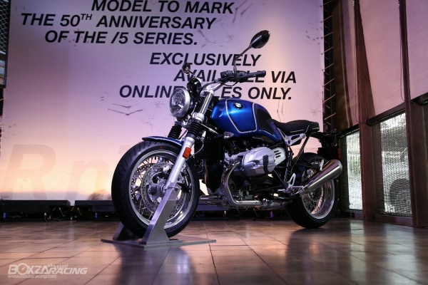 BMW RnineT 5 Tribute Edition gia hon 700 trieu dong do bo thi truong Thai Lan