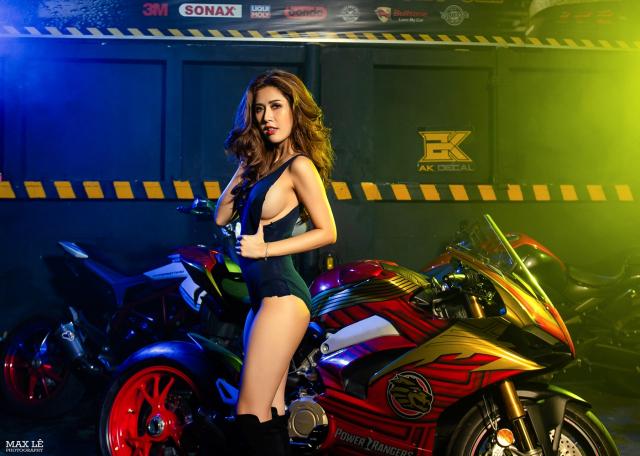 Ducati Panigale V4 S do phong cach Sieu Nhan Gao Do do dang cung co nang nong bong