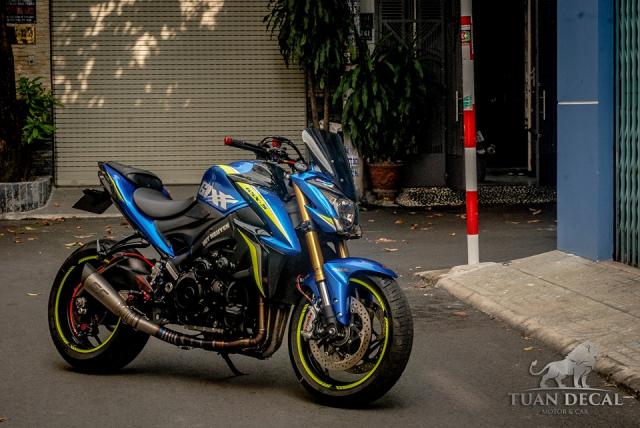 Suzuki GSXS1000 Gao xanh lanh lung ben dan do choi hang hieu