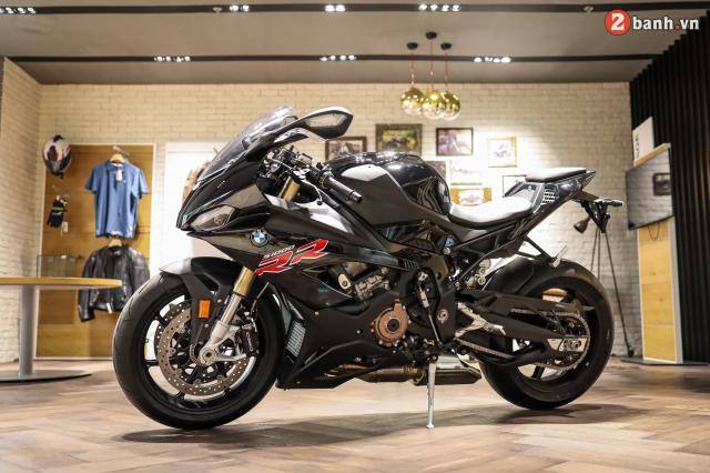 Chi tiet BMW S1000RR 2021 mau den Black Storm Metallic dau tien tai Viet Nam - 7