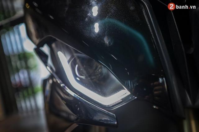 Chi tiet BMW S1000RR 2021 mau den Black Storm Metallic dau tien tai Viet Nam - 8