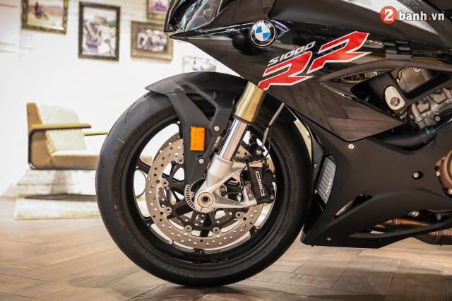 Chi tiet BMW S1000RR 2021 mau den Black Storm Metallic dau tien tai Viet Nam - 16